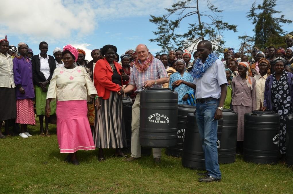 Die großen Wassertanks sollen die Versorgung erleichtern.