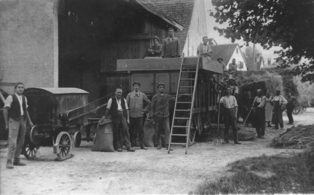 Dreschen am Mittleren Kreis, um 1920