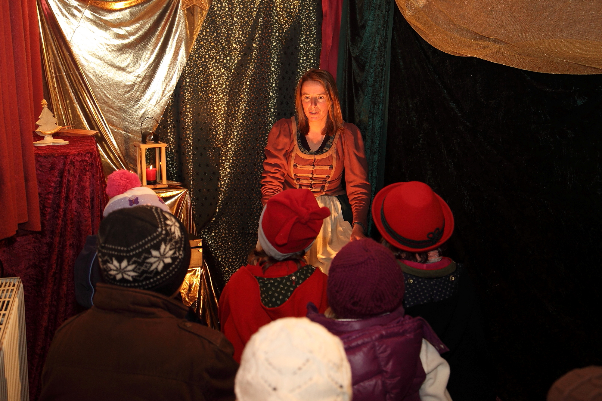 Fairy tales at the advent market in Gorssarl