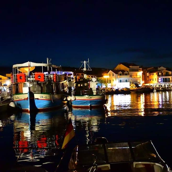 Im Hafen von Vodice