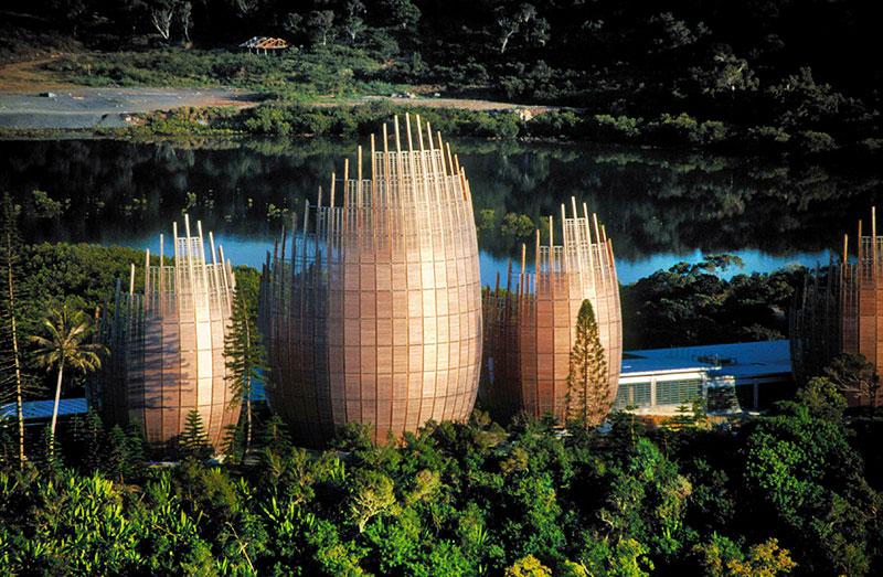 CENTRO CULTURALE TJIBAOU (Nuova Caledonia, 1998) arch. Renzo Piano Building Workshop