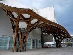MUSEO CENTRE POMPIDOU DI METZ (Francia, 2010) archh. Shigeru Ban e Jean de Gastines