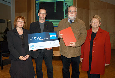 von li. nach re.: Regina Fechter-Richtinger (Geimeinderätin), Christian Kirchsteiger  (Projektleiter HS10), Gehard Traxler (Leiter HS10), Dr. Ingrid Holzhammer (Vizebgm.)