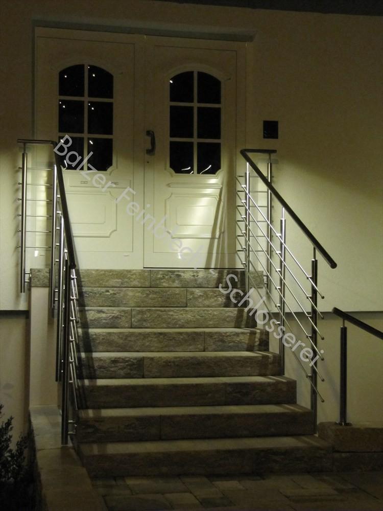 Außengeländer Edelstahl, Treppenaufgang mit LED-Beleuchtung