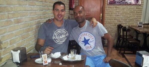 Chedey y Juan, cradores del café de los jueves