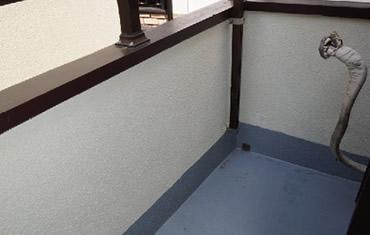 金属防水でバルコニーの防水層を強化