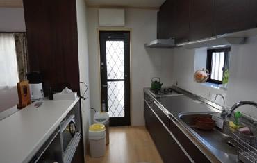 毎日使うキッチンの機能性は重要 収納力たっぷりのシステムキッチンを導入しました