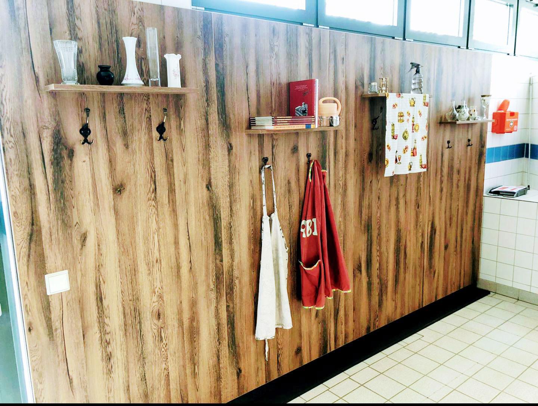 Holzvertäfelte Wand