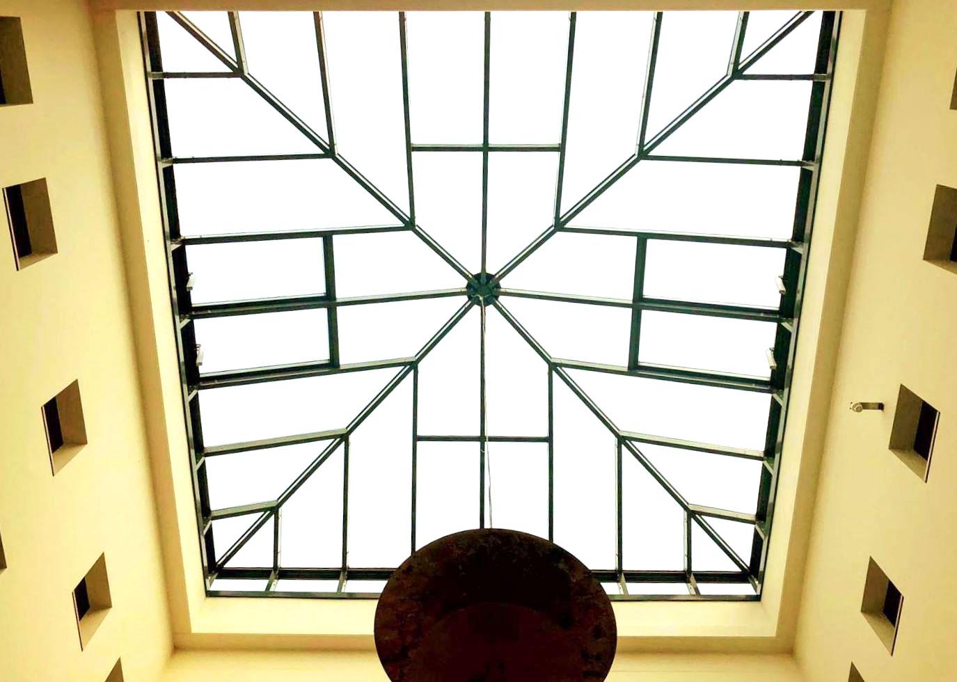 Deckenfenster im Atrium
