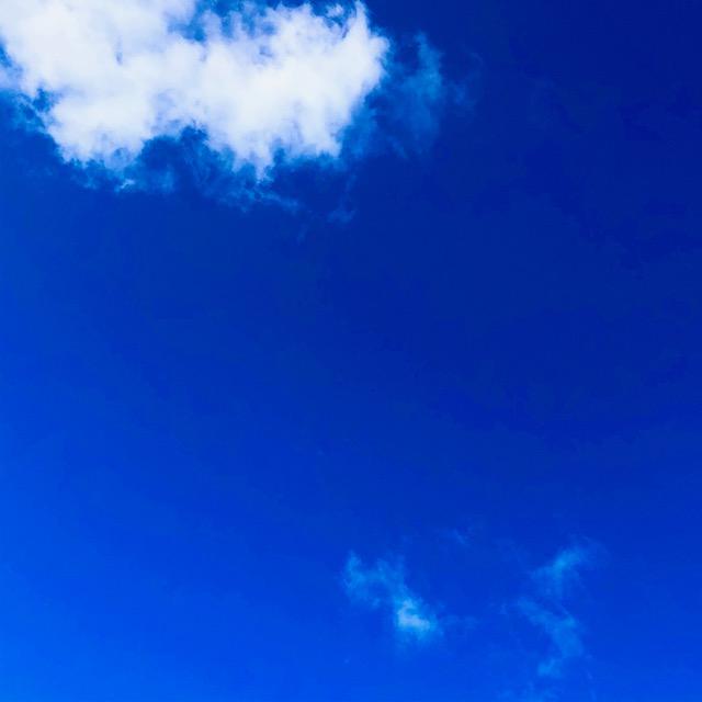 京都市下京区、心療内科、メンタルクリニック、女医、青空と雲