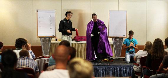 2011: Ein Auftritt in Köln als der Hypno-Magier Tony Krausini.