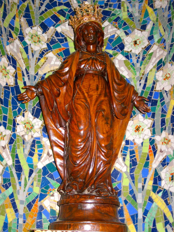 """La statue de la """"Vierge Fidèle"""""""