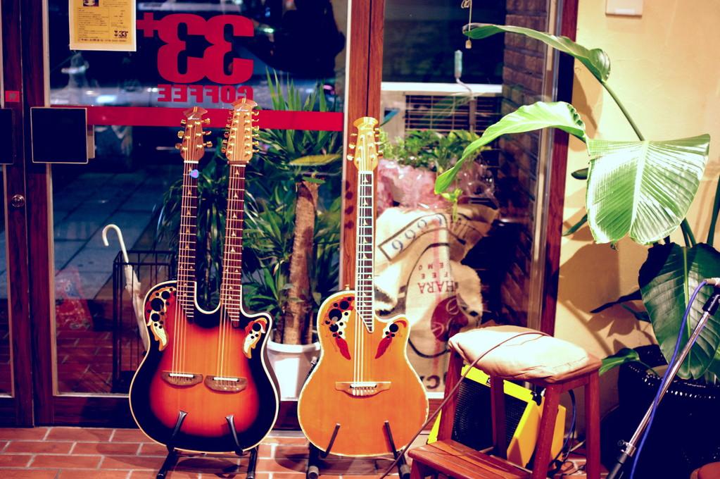 3+サーティーサード珈琲アコースティックLIVE「珈琲とアコギと・・・Vol.1」2012.9.1Sat