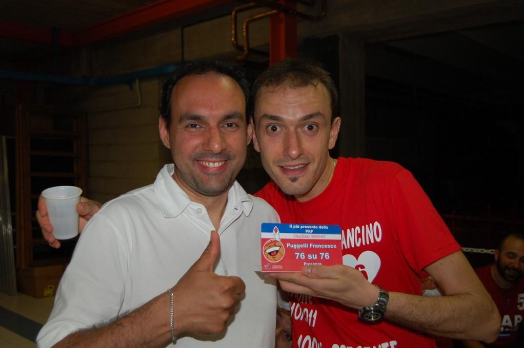 Sandrino e Francino che festeggiano il premio presenze!!!!!! - Maggio 2011