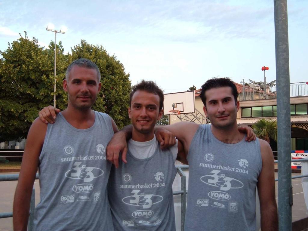 3 PAPPONI alla riscossa......3Vs3 a Bonelle Luglio 2004