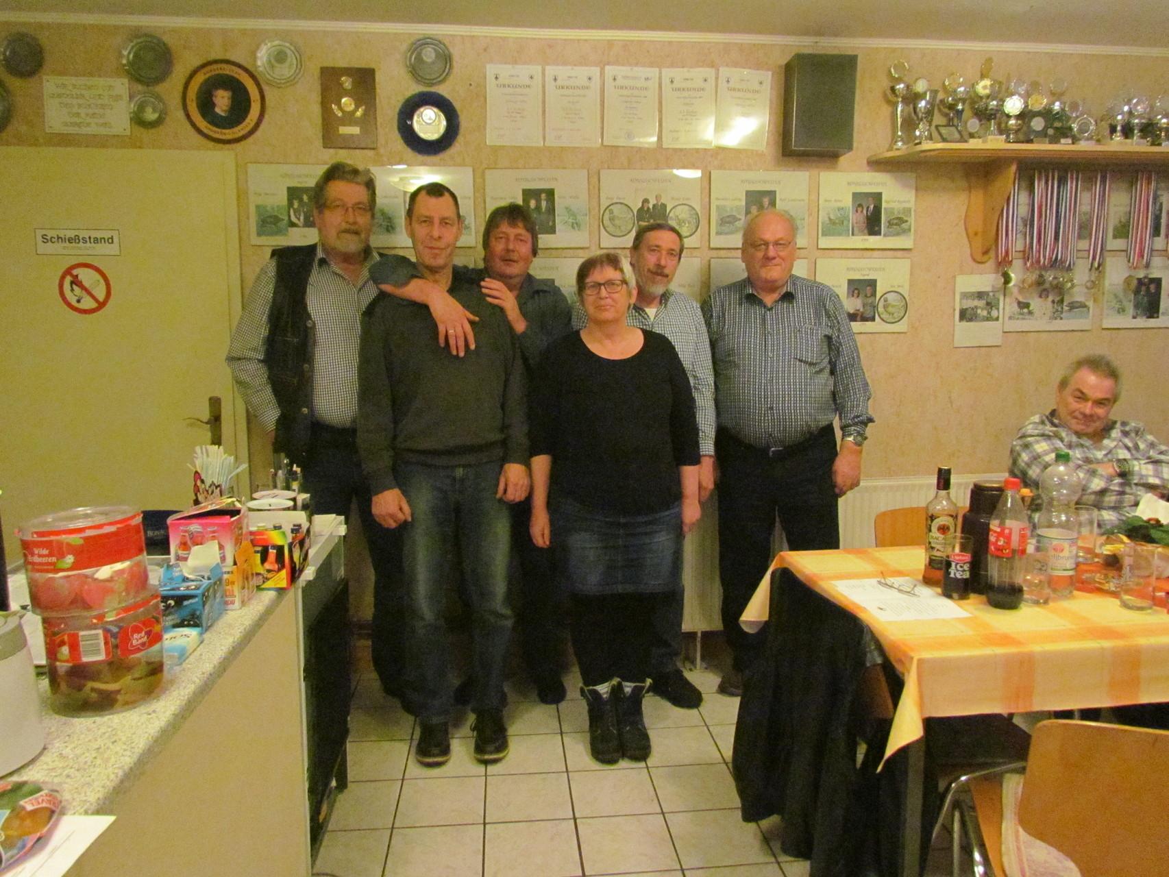 Der neue Vorstand: von links: Klaus Blunck, Harald Mielke,  Manfred Trzeczak, Doris Krause, Lothar Witt und Dieter Lehnig.
