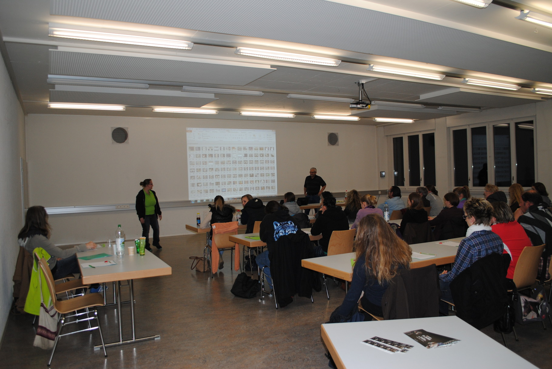"""Hufvortrag: Der dritte Vortrag in Münsingen fand am 27. März 2014 mit Referent Ueli Wenger statt, dieses Mal zum Thema """"Der Pferdehuf - Gesunderhaltung und Pflege""""."""