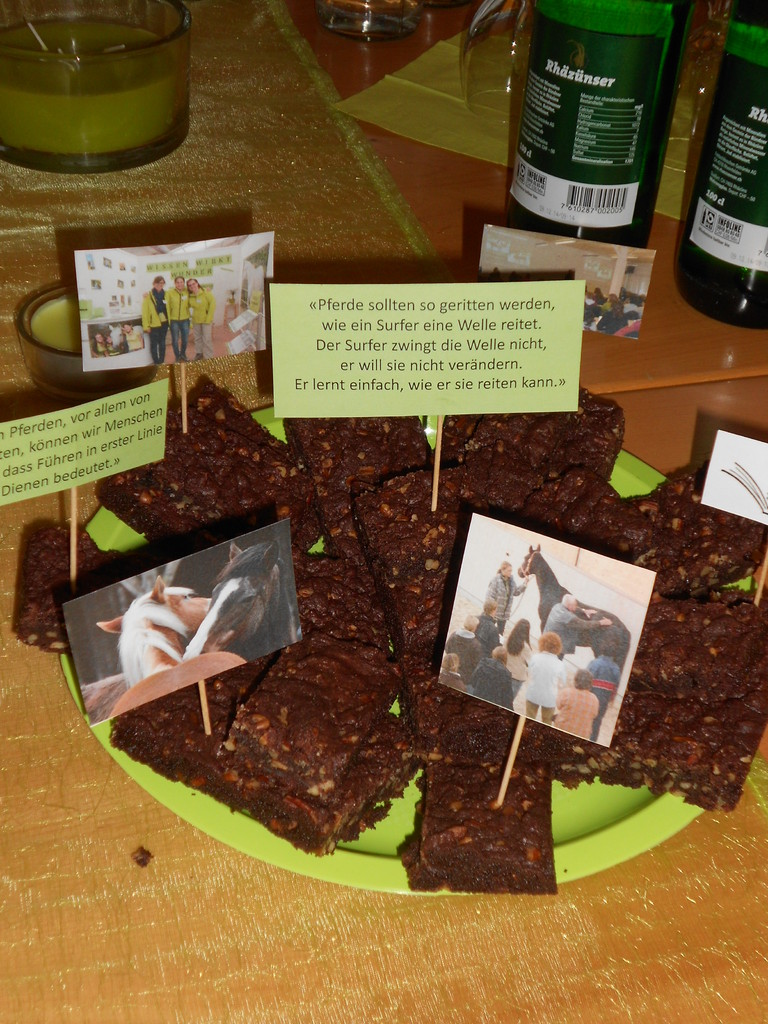 Einen besonderen Touch erhielten die Köstlichkeiten durch Fotos von vergangenen Veranstaltungen...