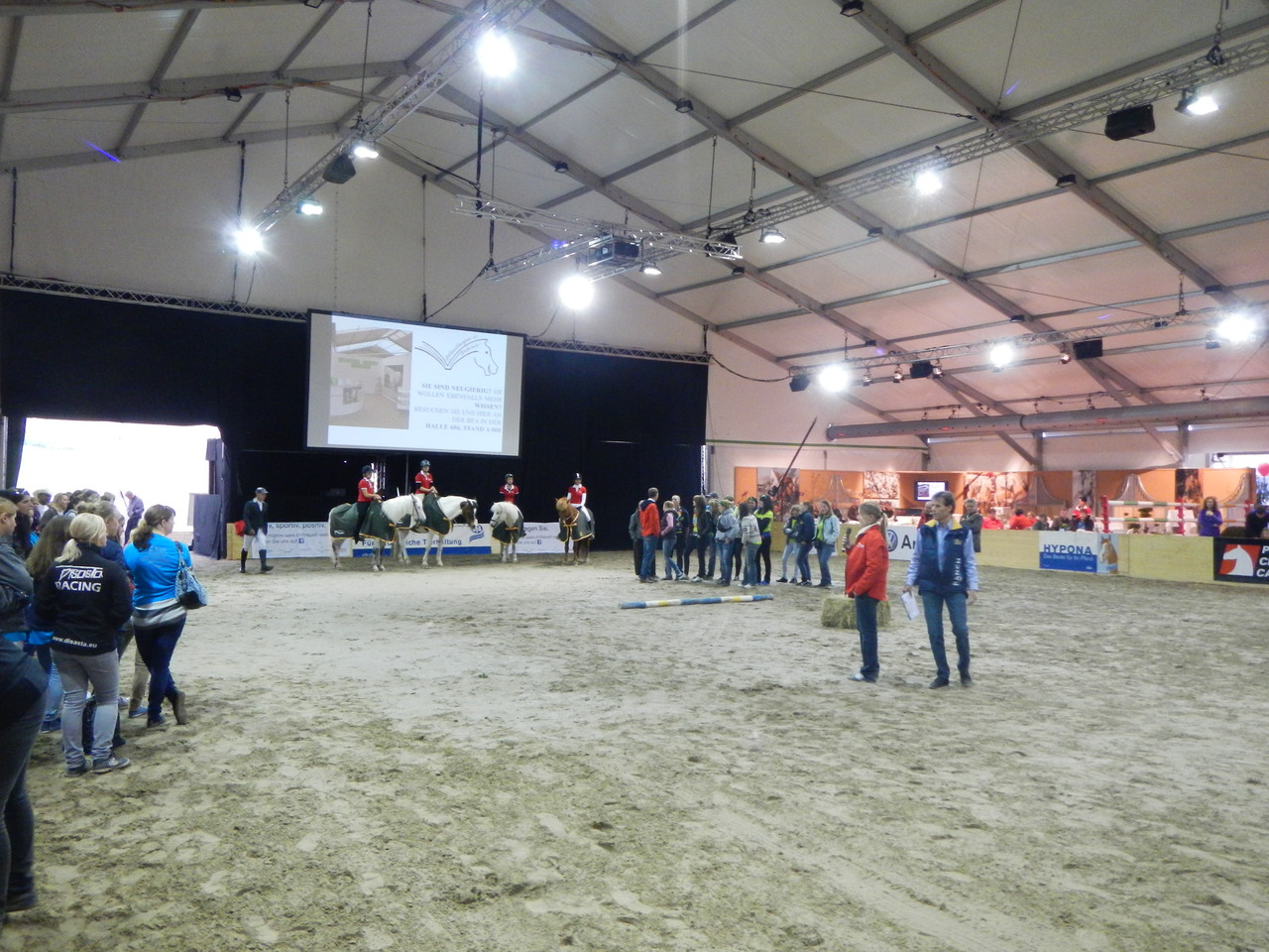 Ein besonderes Projekt im Rahmen der Jugendförderung ermöglichten wir mit einem Sponsoring am Lehrlingswettbewerb der Pferdeberufe.