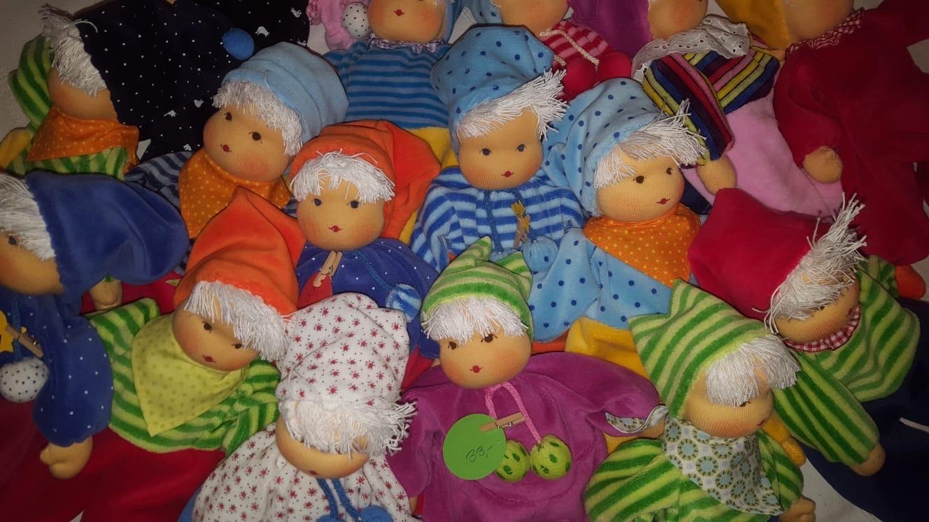 Monika Löhnert - unterschiedliche, handgefertigte Puppenmodelle