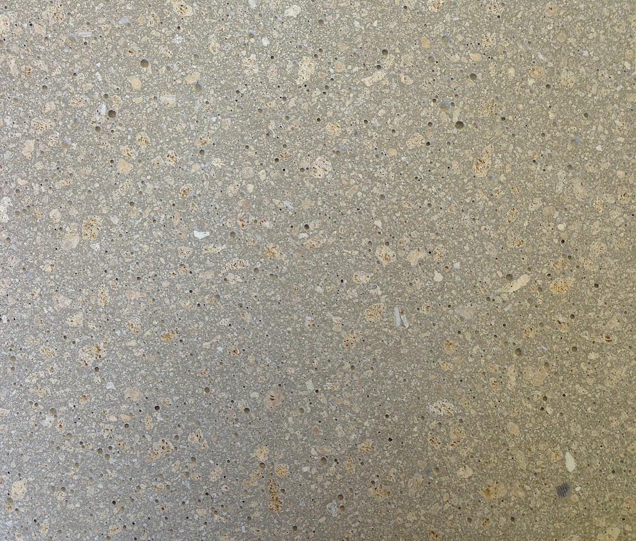 Giallo Mori mit Grauzement, Struktur geschliffen