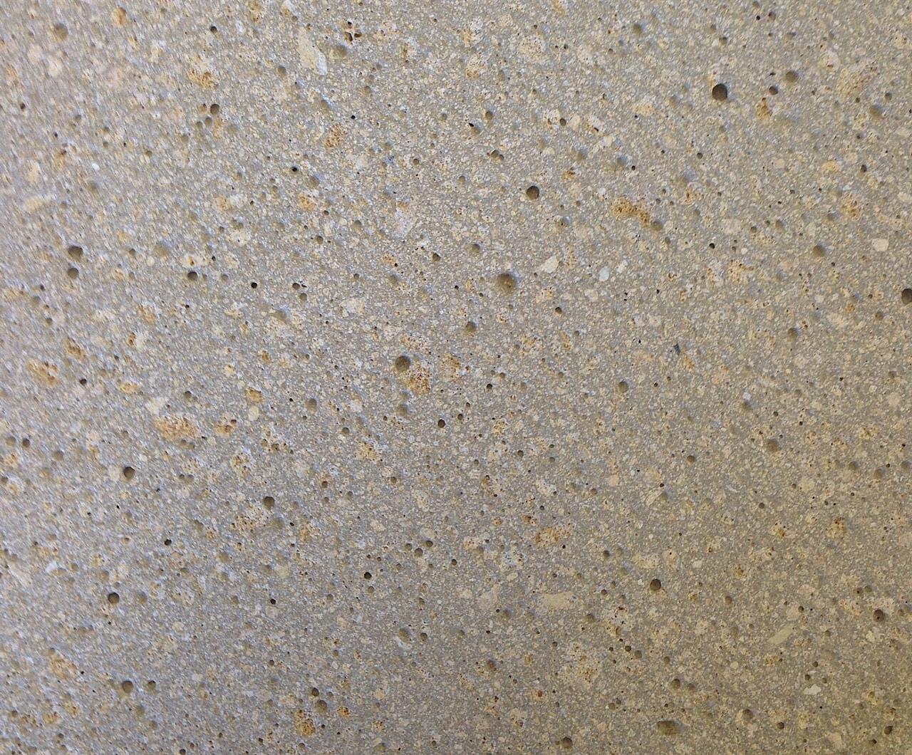 Giallo Mori mit Grauzement, Struktur sandgestrahlt