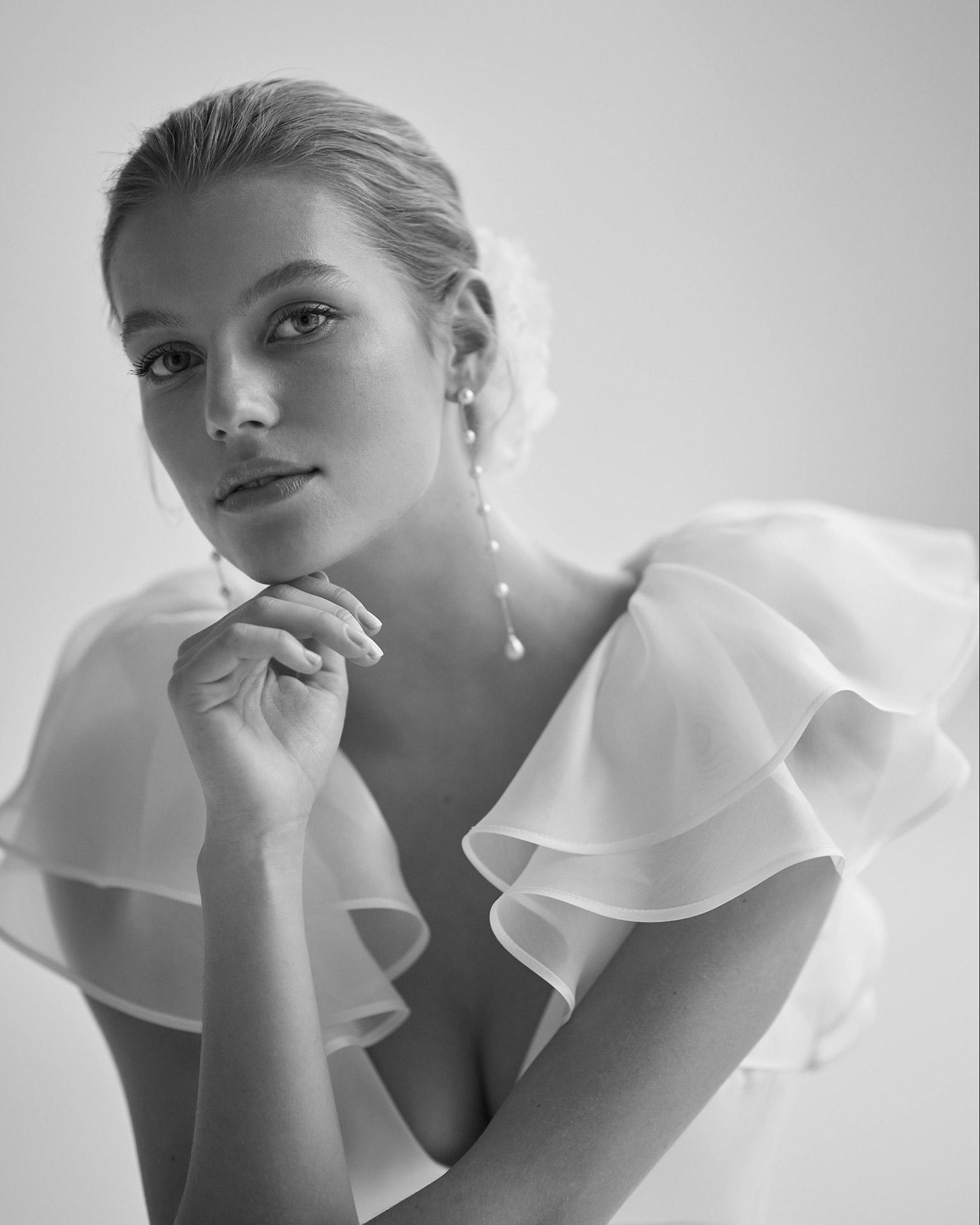 Exklusives Designer Brautkleid aus der aktuellen Kollektion von Aire Barcelona Atelier.