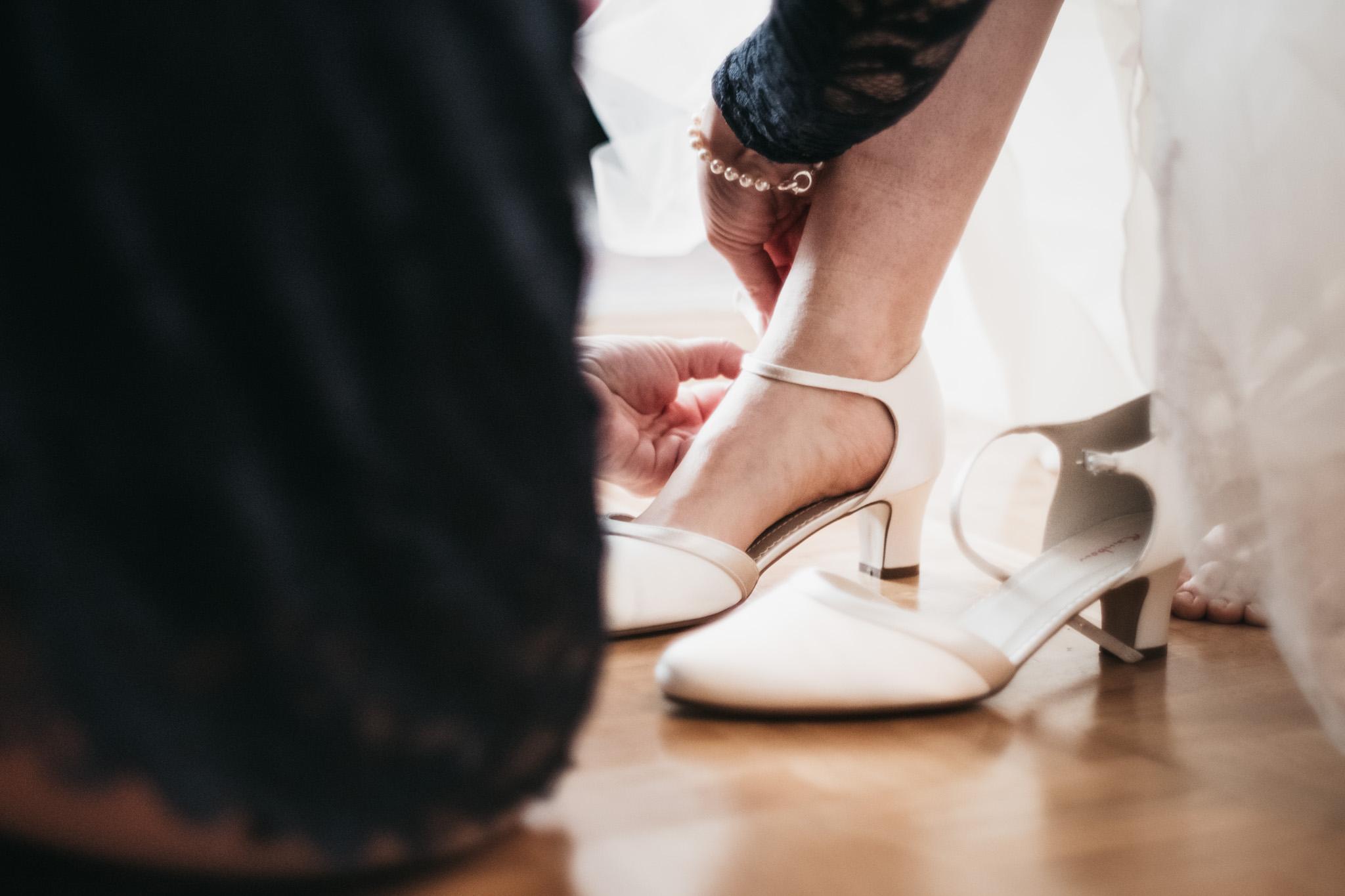 Brautschuhe-Hochzeitsfotograf-Nürnberg