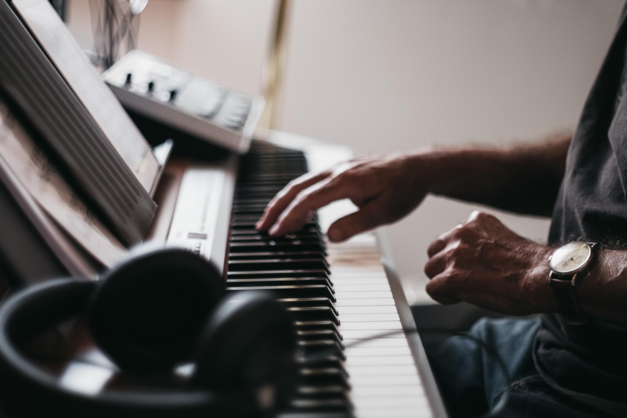 Klavir-Spielen