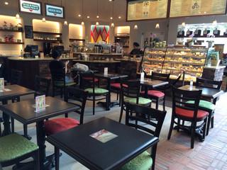 アースカフェ 表参道店(Urth Caffe)