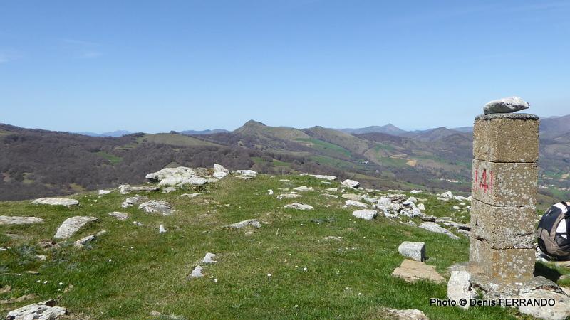 Borne frontière 141 au sommet de l'Izterbegi