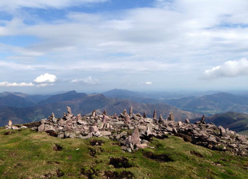 séparées par l'Autza sommet de 1306 m du pays basque espagnol.