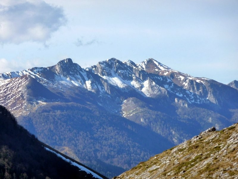 Zoom sur le Rocher d'Aran, l'Ourlénotte et l'Ourlène