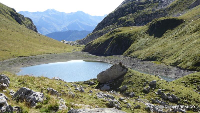 Lac de Lhurs, le niveau de l'eau est bas.