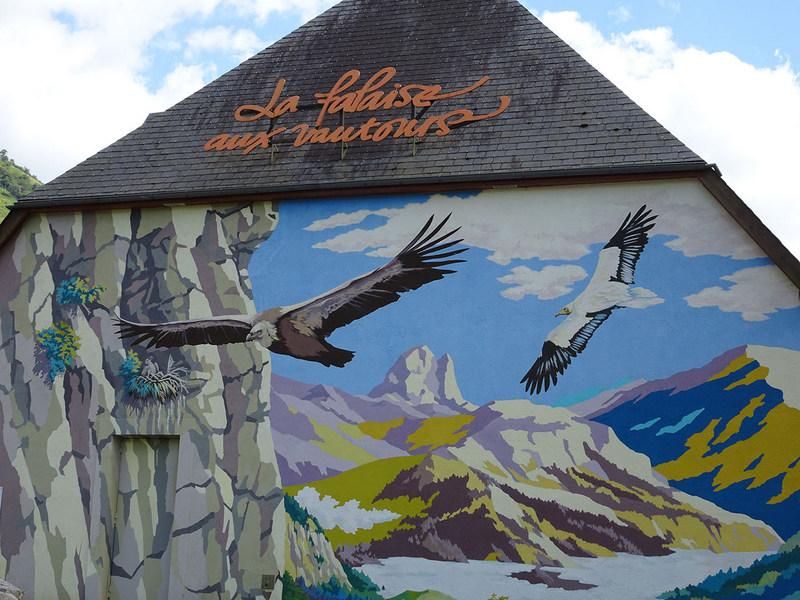 """Et pour terminer la journée, une petite visite à la """"falaise aux vautours"""""""