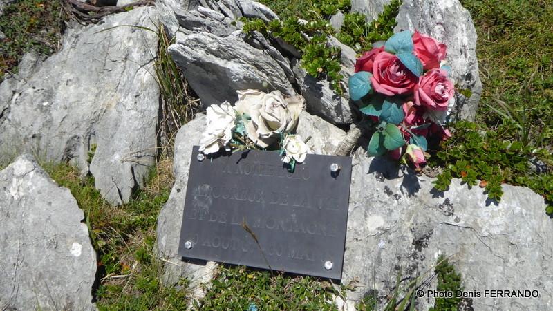 """Stèle à la mémoire d'un """"amoureux de la vie et de la montagne"""""""