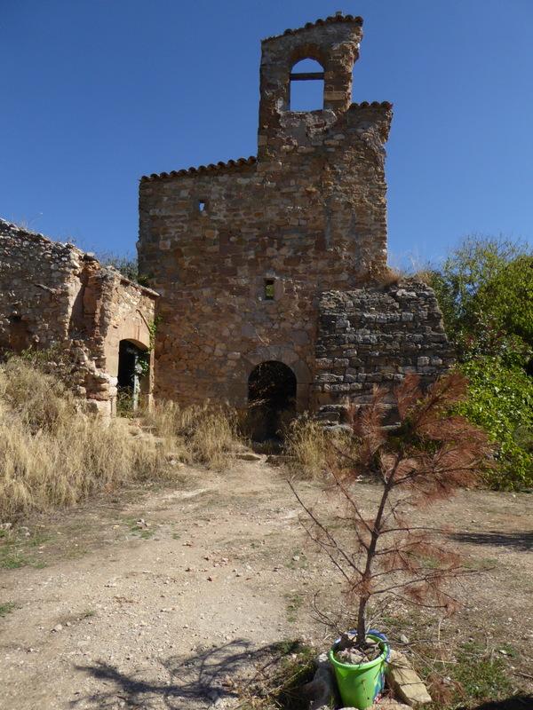 ...au village abandonné de Finestras