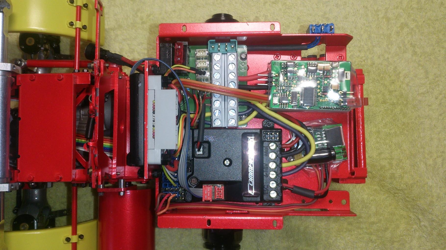 ScaleART MAN TGS 3軸3転ダンプトラック_コントローラー
