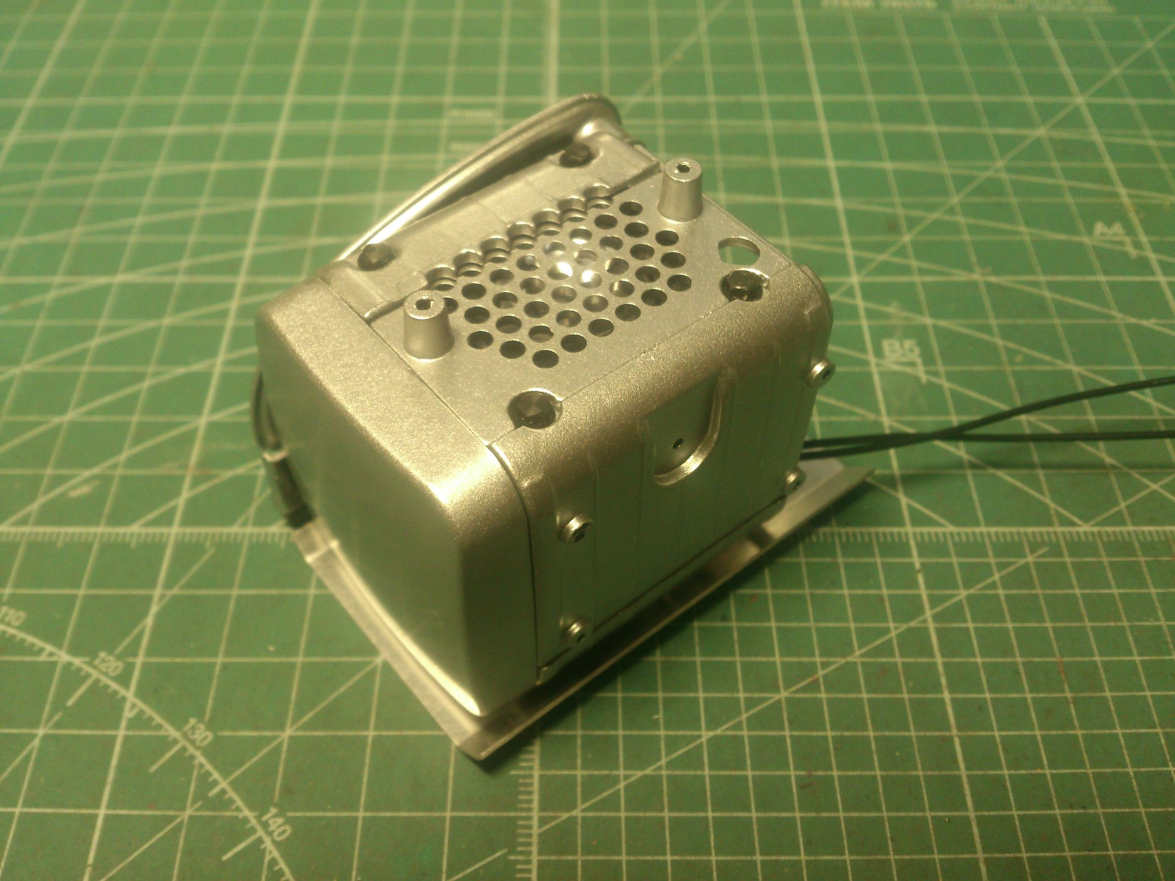 ScaleART アロクス_スピーカーを収納した排気装置