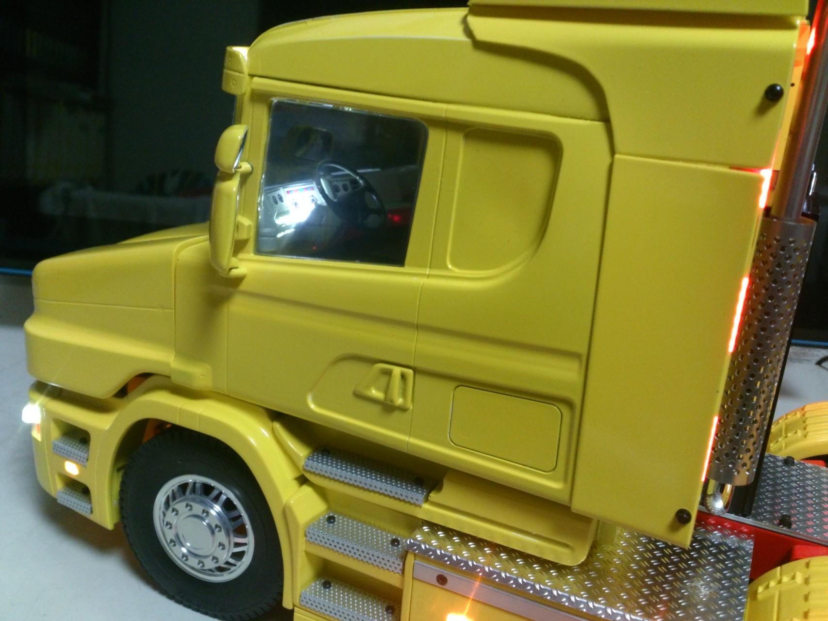 Scania CT19のキャブ