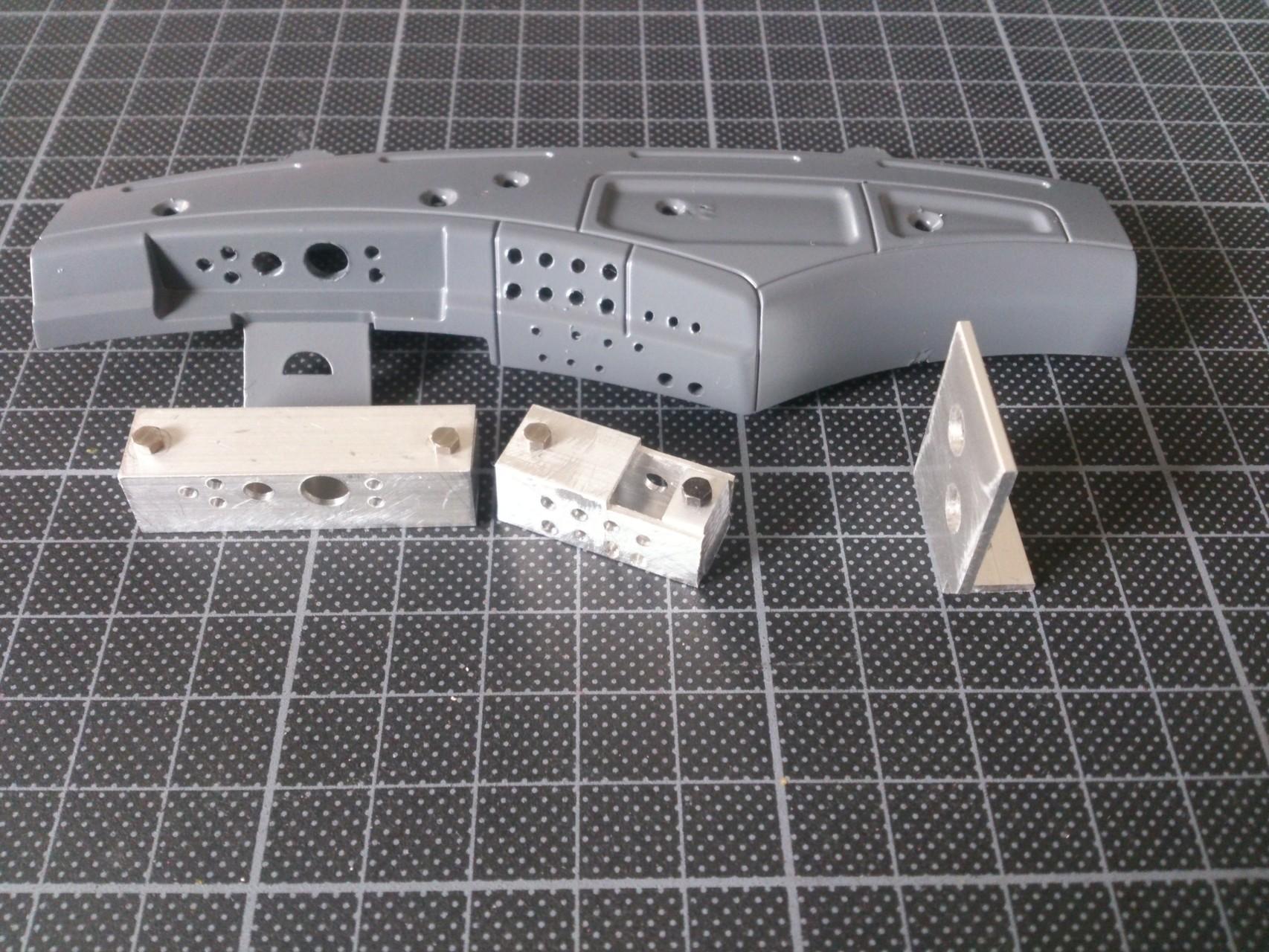 ラッカー塗装後のダッシュボードとLED取付用ボックス