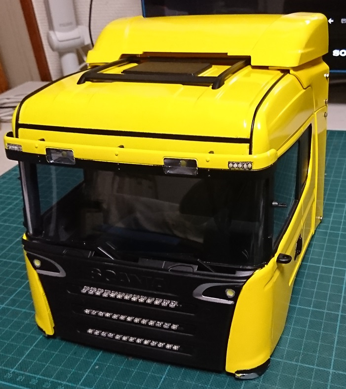 1/14タミヤ製ラジコントラック スカニアを改造したキャブが完成しました