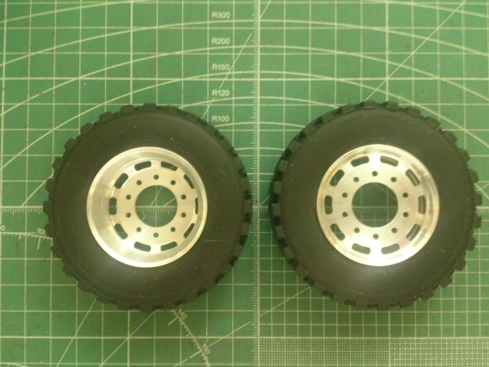 ScaleART アロクス_後輪用タイヤ