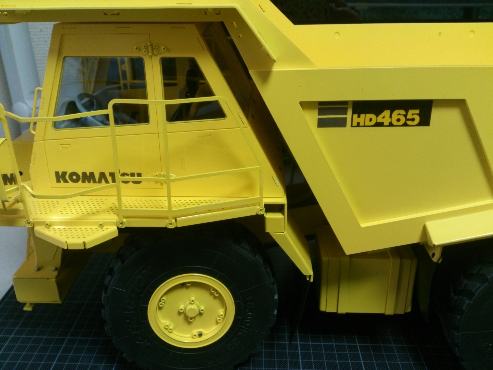 HD465_キャブ左側面