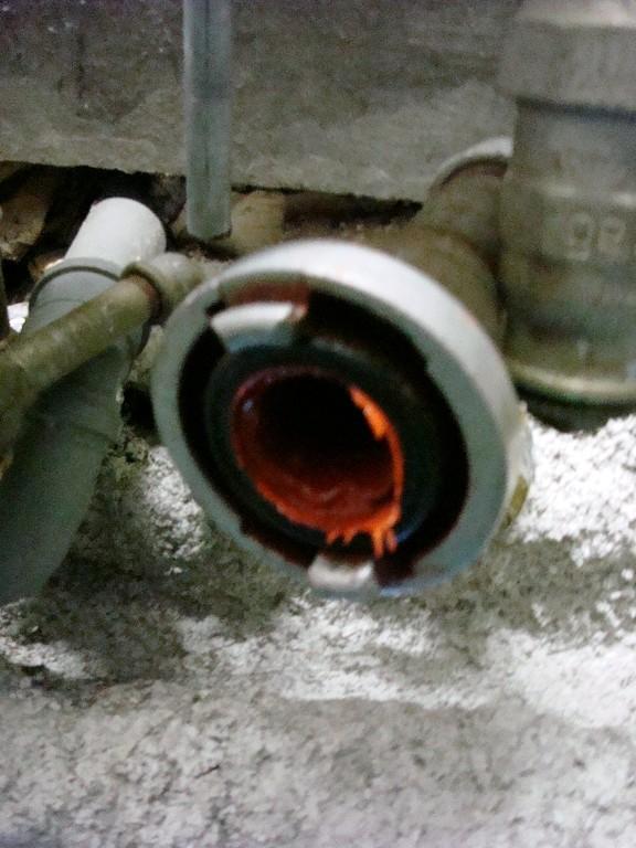 Endstück des Rohrs nach Einbringung des Epoxidharzes