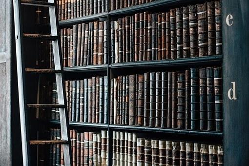 多くの図書