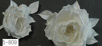 No 5-809 バラの大小2ヶセットのドレス花 素材:シルクサテン サイズ:大18cm 小12cm ¥10.000