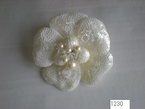 No 1230  1輪スパンコサージュ 素材:スパンコール サイズ:10cm ¥4.000