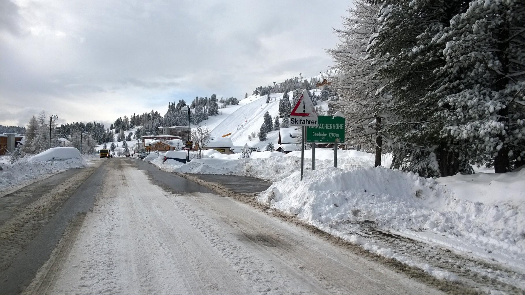 Ortseinfahrt Turracher Höhe auf 1763m