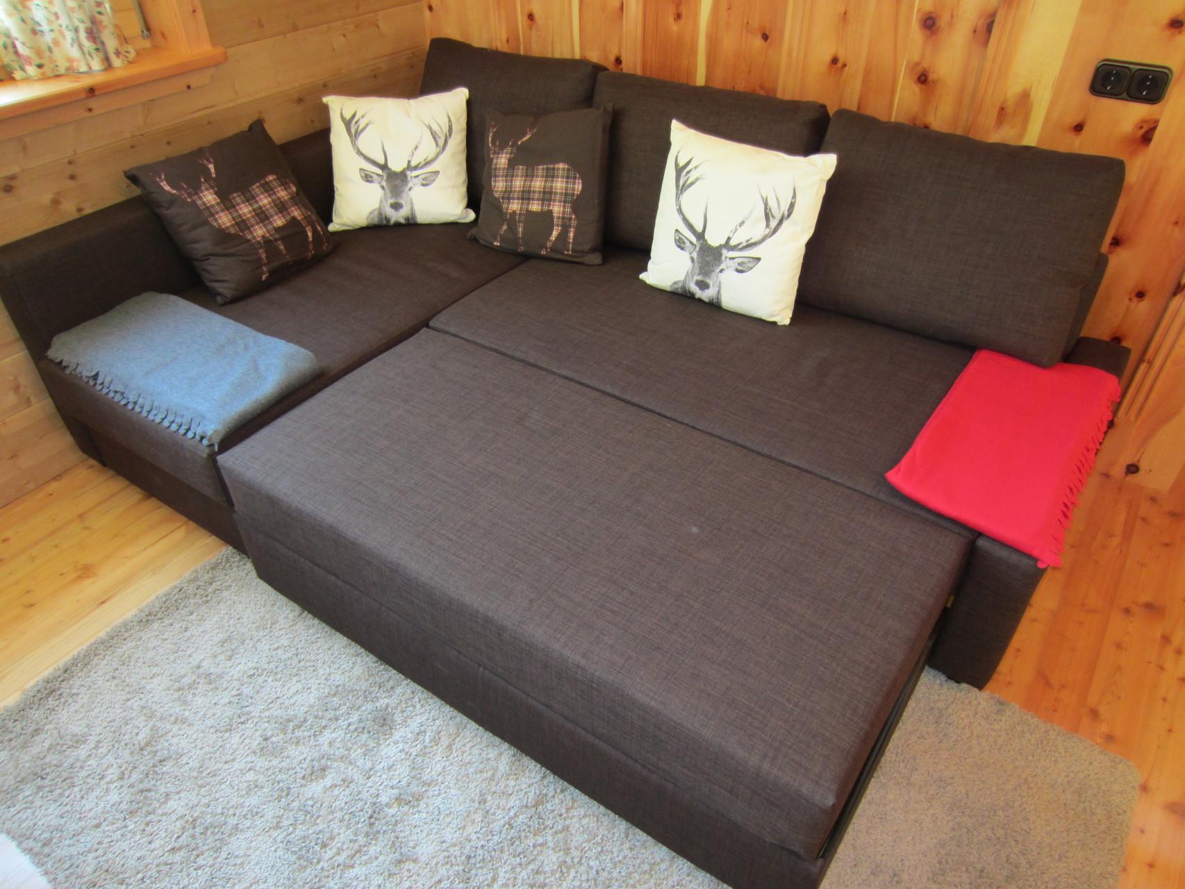 alternative Schlafmöglichkeit - die ausziehbare Couch (200 x 200cm)